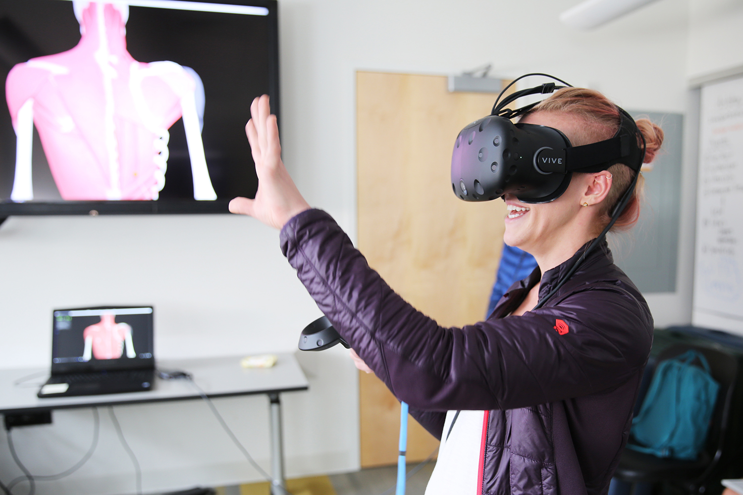 7ed1d0f96ce How VR is Revolutionizing the Way Future Doctors are Learning About Our  Bodies
