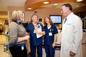 Michael Gropper talks with UCSF nurses