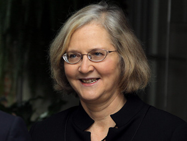 Elizabeth Blackburn smiling