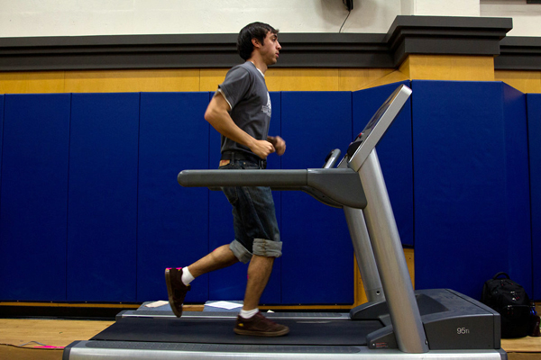 Emmanuel Jauregui, a second-year medical student, takes a running test