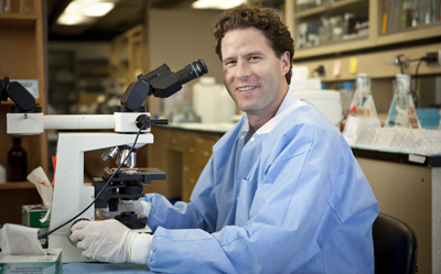 UCSF neurologist William Seeley, MD, has been named a 2011 MacArthur Fellow.