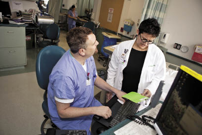 how to become a clinical specialist