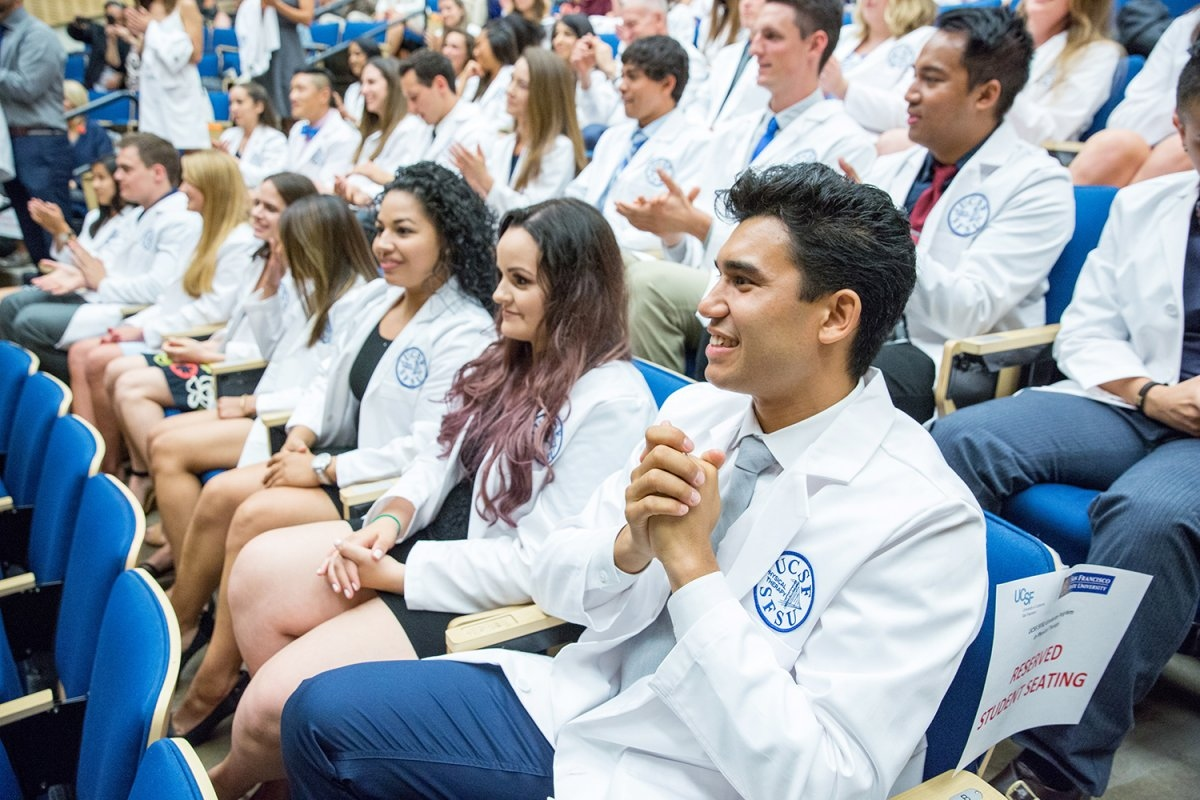 Graduated school for physical therapy - Students Of The Joint Uc San Francisco San Francisco State University Graduate Program In Physical Therapy Attend The Program S Fifth Annual White Coat