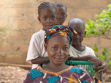 A mother and three children, Mali