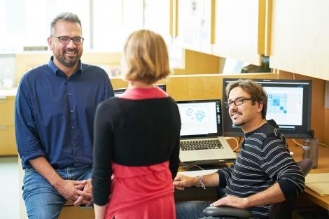 Nevan Krogan talks with Ruth Huttenhain and David Jimenez