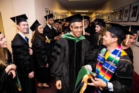 Vivek Murthy laughs with UCSF medical students