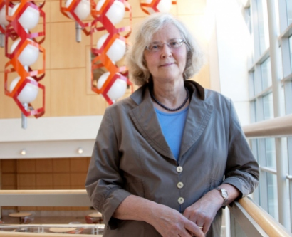 Elizabeth Blackburn in the UCSF Genentech Hall atrium