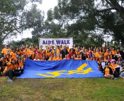 UCSF teams gather for a photo at AIDS Walk San Francisco 2015 in Golden Gate Park