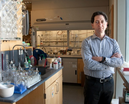 Kevan Shokat in his UCSF lab