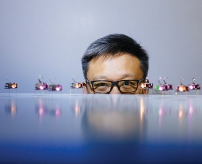 Wendell Lim posing with nano robots