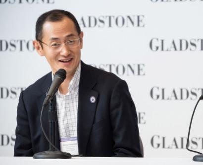 Shinya Yamanaka and John Gurdon at a press conference