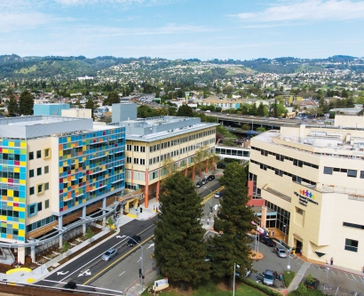 aerial view of the UCSF Benioff Children's Hospital Oakland campus