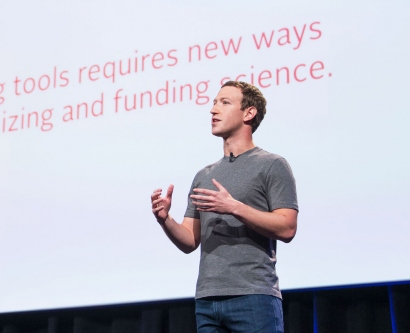 Mark Zuckerberg talks on stage