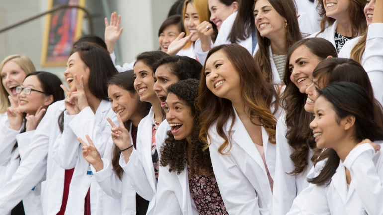 UCSF medical students gathering for a photo