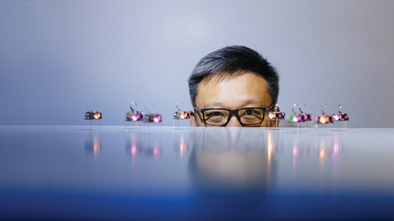 Wendell Lim posing with nanorobot