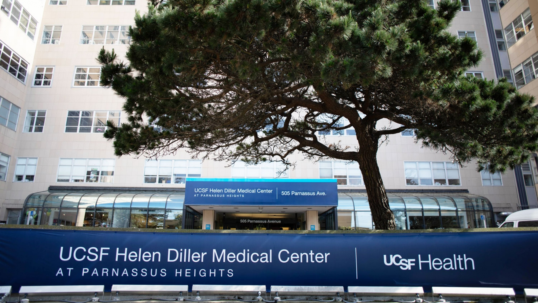 exterior of UCSF Helen Diller Medical Center at Parnassus